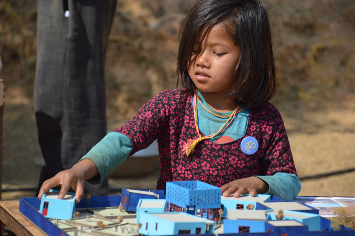BACK---nepal-11